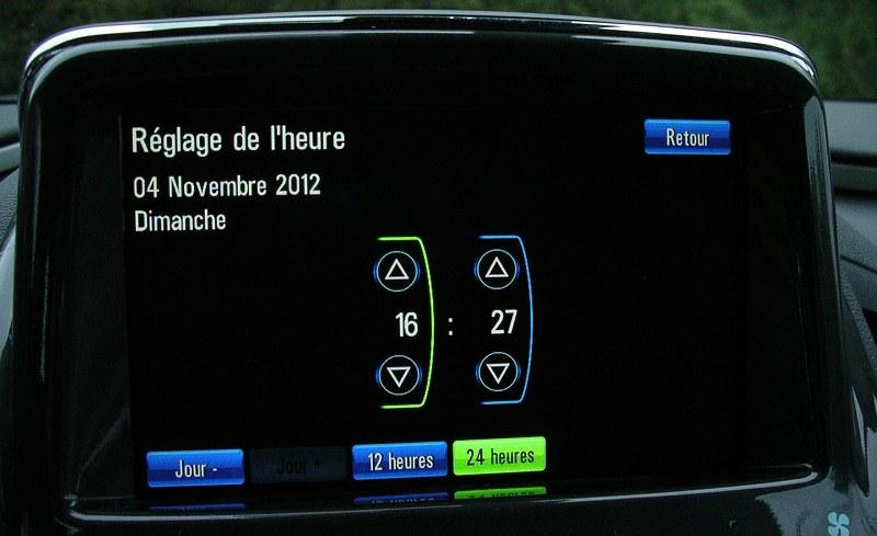 Réglage de l'heure dans l'Opel Ampera