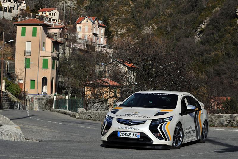 L'Opel Ampera sur la route du Monte Carlo EN 2012