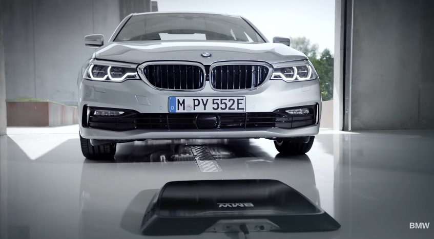 BMW 530e recharge inductive