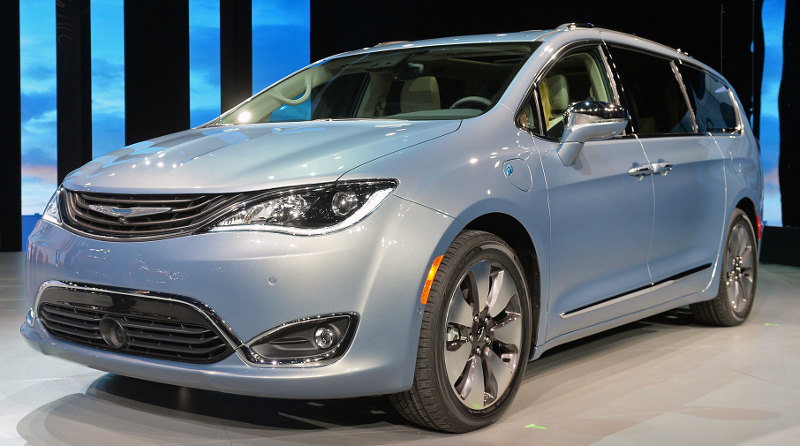 Chrysler Pacifica Hybrid Detroit 2016