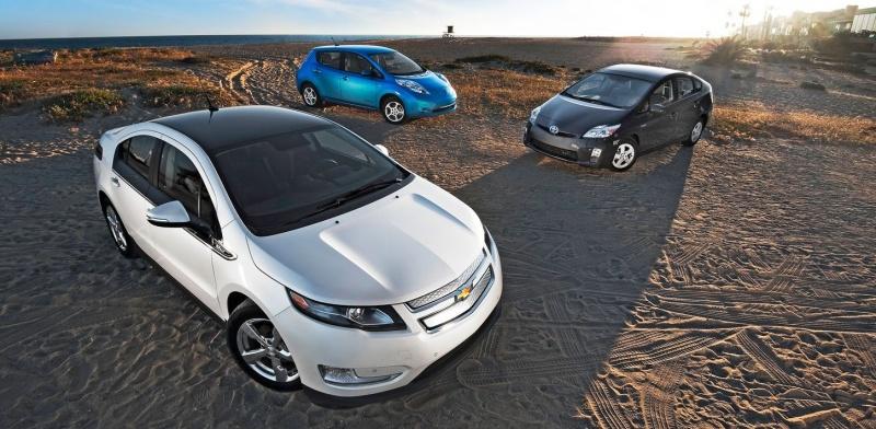 Chevrolet Volt, Nissan Leaf et Toyota Prius