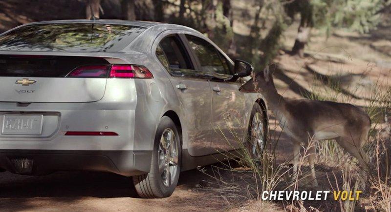 Publicité Chevrolet Volt daim chien robot
