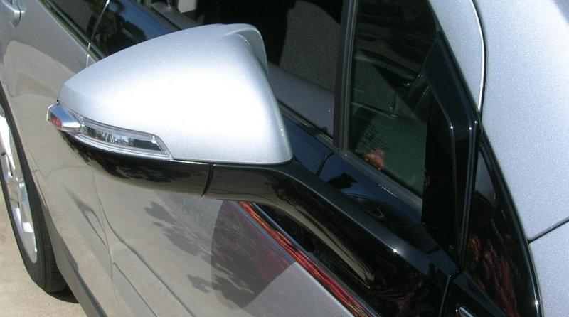 Rétroviseur modifié Chevrolet Volt